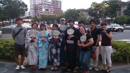 祇園祭で「理学療法の日」京都府士会特製うちわ配り